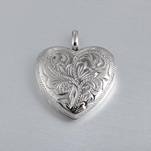 925 sterling silver Relief heart locket
